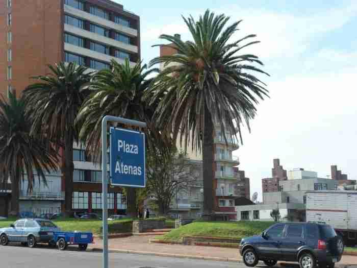Φιλέλληνες Ουρουγουάης: Ψάλλουν τον Εθνικό Ύμνο και βλέπουν Ελληνική τηλεόραση