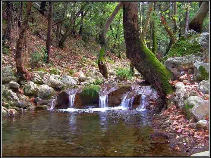 Ένα από τα ωραιότερα φυσικά τοπία της χώρας μας βρίσκεται καλά κρυμμένο στη Σάμοο