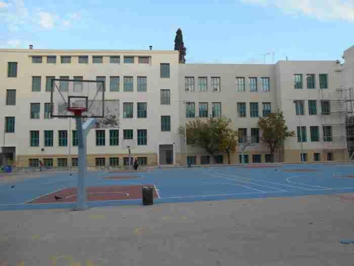 Μιχαήλ Νομικός: Ο εθνικός ευεργέτης που πρόσφερε στην Ελλάδα το πιο ιστορικό σχολείο της χώρας