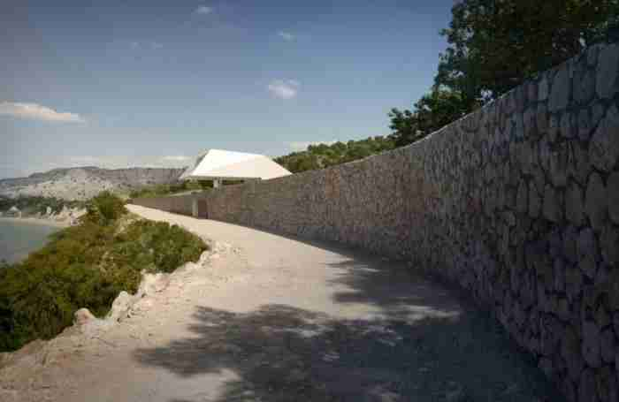 """Το πιο """"εξωγήινο"""" σπίτι της Ελλάδας βρίσκεται στη Ρόδο"""