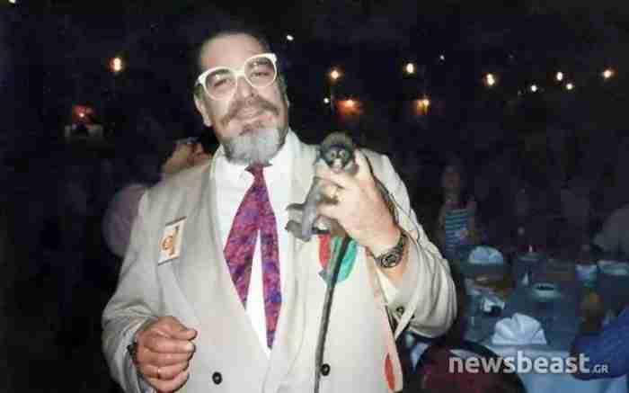 Ποιος ήταν ο «Paezano» της Φωκίωνος που κυκλοφορούσε με γούνα, μια μαϊμού στον ώμο και ήξερε τους πάντες