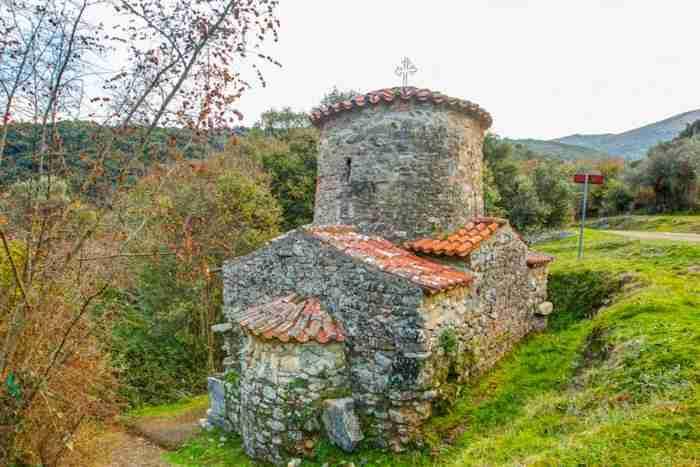 Ένα χωριό.. δυο φορές Ελληνικό. Τόσο όμορφο που θυμίζει σκηνικό ταινίας