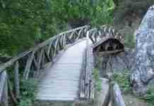 Διασχίζοντας το Φαράγγι του Ενιπέα στον Όλυμπο- Οδοιπορικό στα μονοπάτια των θεών