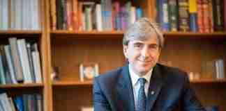 Λεωνίδας Πλατανιάς: Ένας από τους σημαντικότερους ερευνητές στον κόσμο στην καταπολέμηση του καρκίνου είναι Έλληνας