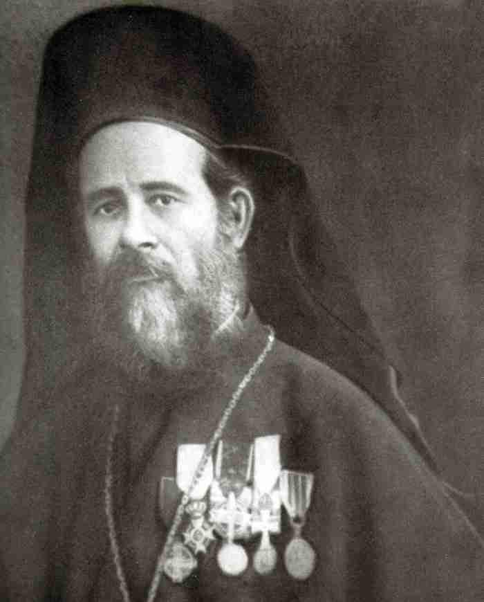 Λευτέρης Νουφράκης: Ο τολμηρός παπάς από την Κρήτη που κατάφερε να ακουστεί ξανά ο λόγος του Θεού στην Αγιά Σοφία