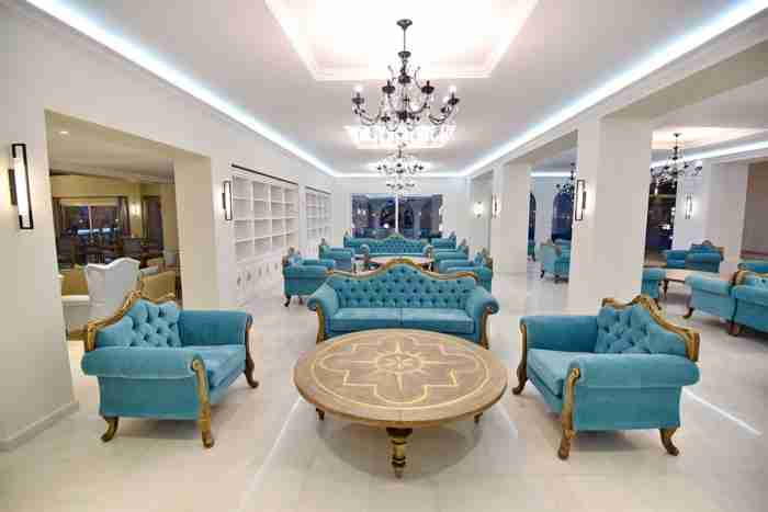 Το πολυτελές ξενοδοχείο στα Χανιά που μοιάζει με παλάτι