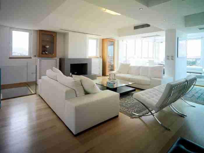 Το γυάλινο διαμέρισμα στη Νέα Σμύρνη με την απίστευτη θέα