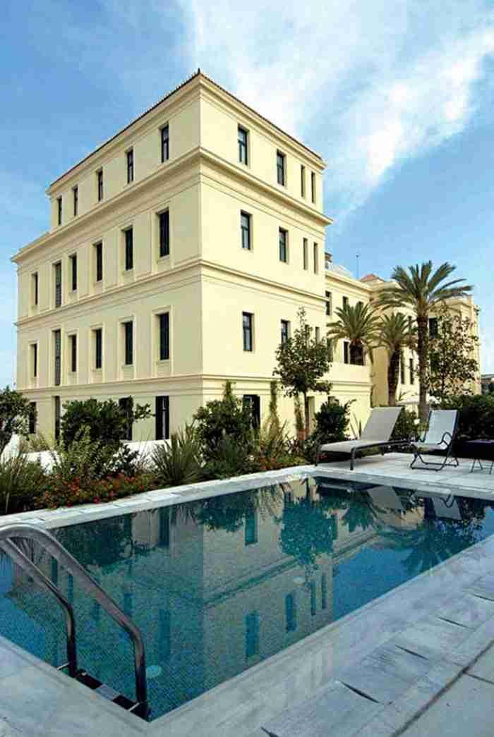 Το ξενοδοχείο μύθος των Σπετσών με ιστορία 100 χρόνων που έχει πάρει παγκόσμιο βραβείο