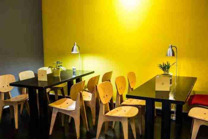 10 ήσυχα Καφέ που προσφέρονται για διάβασμα και εργασία