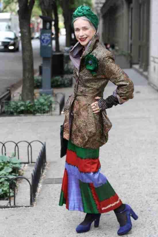 15 πράγματα που πρέπει να φοράνε οι γυναίκες άνω των 50