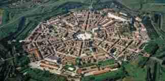 Η μοναδική πόλη στον κόσμο που λειτουργεί χωρίς πολιτική, θρησκεία και χρήματα