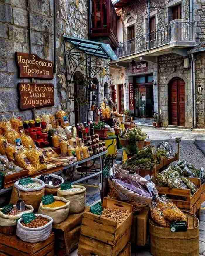 """Η """"Μήλος του χειμώνα"""" βρίσκεται μόλις 2 ώρες από την Αθήνα"""