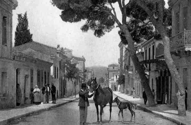 Τότε που η Αθήνα είχε ανεμόμυλους. Δείτε 21 υπέροχες φωτογραφίες μιας Αθήνας απ' τα παλιά