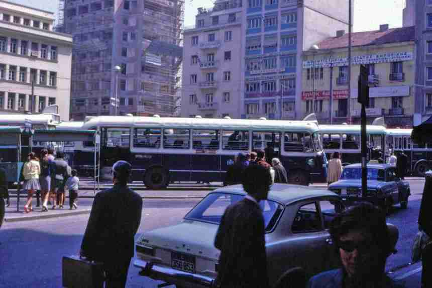 31 έγχρωμες φωτογραφίες της φτωχής Αθήνας του 1968-1970 από το αρχείο ενός Αμερικανού
