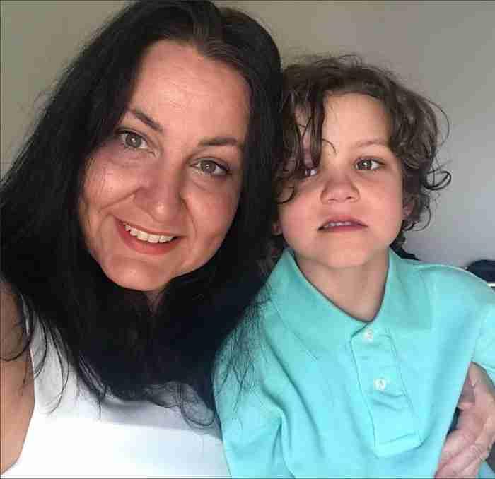 Πατέρας στέλνει οργισμένο μήνυμα όταν κανείς δεν καλεί σε γενέθλια τον 6χρονο γιο του με αυτισμό