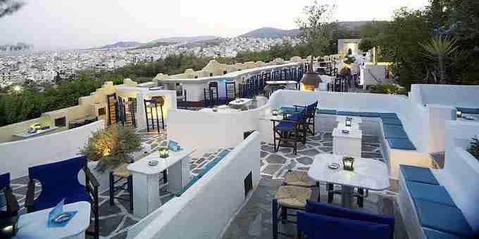 8 μέρη στην Αθήνα που μας πάνε... αλλού