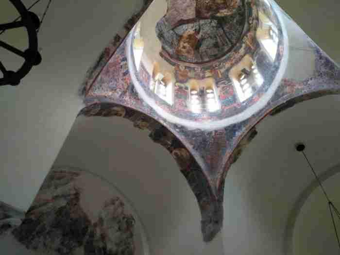 Η παλαιότερη εκκλησία της Αθήνας χτίστηκε το 1000 μ.Χ και λειτουργείται μία φορά κάθε χρόνο