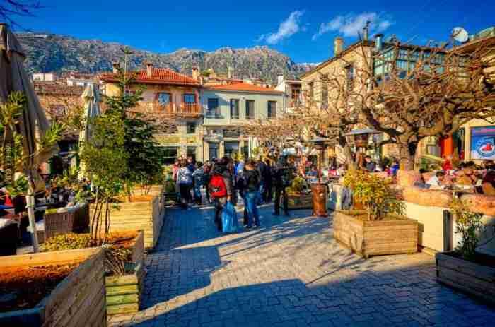Το χωριό δίπλα στην Αθήνα που κάνει τη Μύκονο να μοιάζει.. ερημονήσι