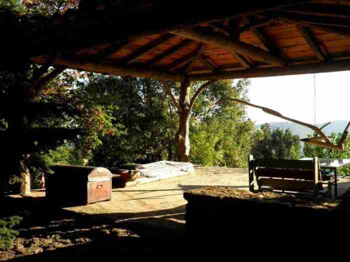 """Σε απόσταση 2 ωρών από την Αθήνα υπάρχει η """"Cherryland"""": Ένα υπέροχο χωριό βγαλμένο από τα παραμύθια"""