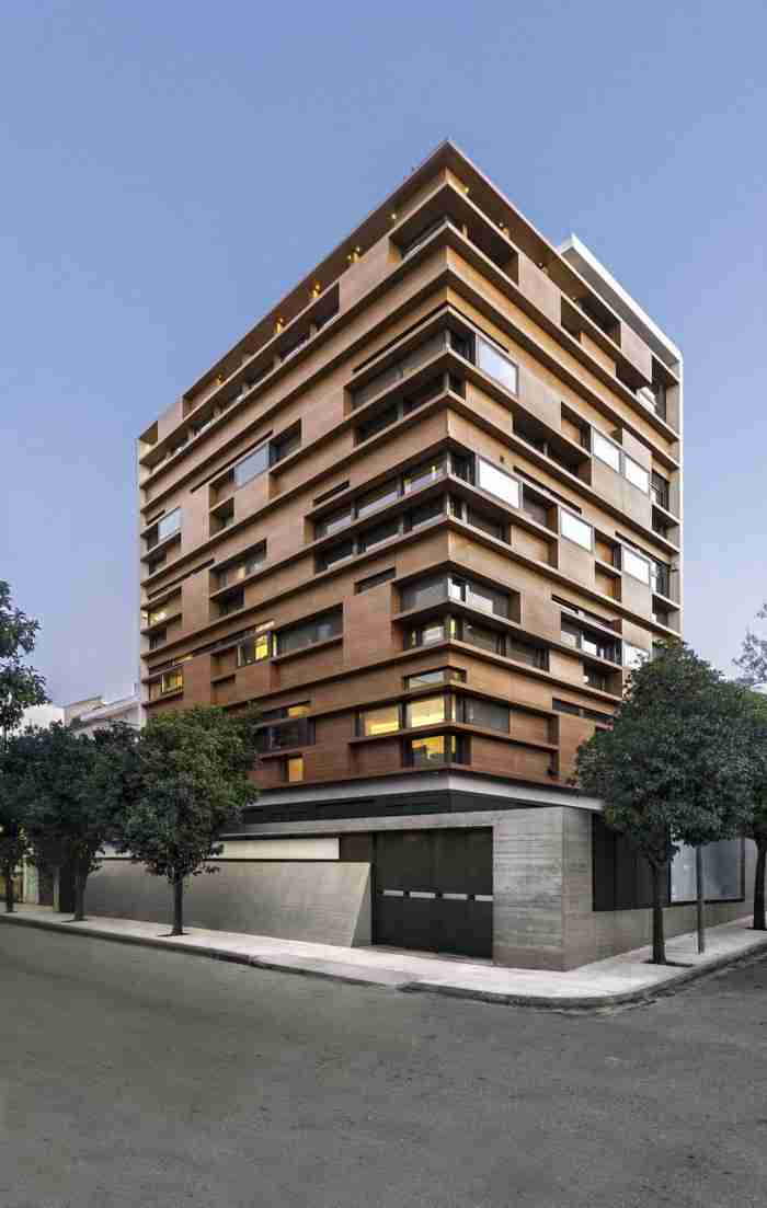 Αυτή Είναι η πιο Ωραία Πολυκατοικία της Αθήνας - με Διαφορά