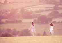 Οι 16 λέξεις που φέρνουν χαρά και διώχνουν το άγχος