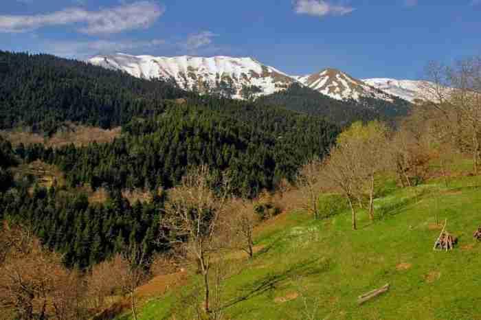 7 ελληνικά εναλλακτικά χωριά για ονειρικές διακοπές. Οι κρυμμένοι θησαυροί που πρέπει οπωσδήποτε να επισκεφθείς