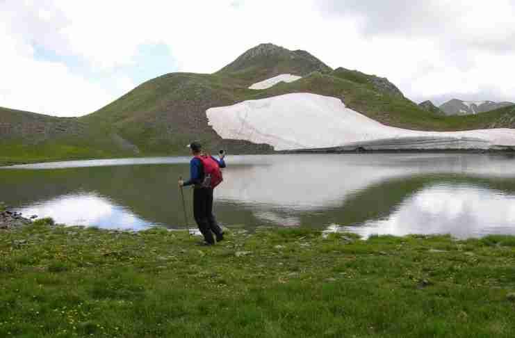 Η ψηλότερη λίμνη της Ελλάδας βρίσκεται στα 2.350 μ. υψόμετρο και είναι εξωγήινα όμορφη