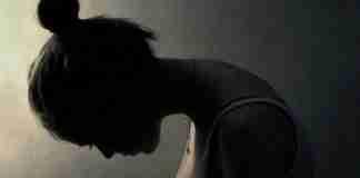 «Χτένισα τα μαλλιά μου μετά από 4 εβδομάδες». Το συγκινητικό μήνυμα μιας γυναίκας που πάσχει από κατάθλιψη