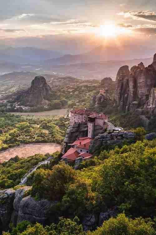 Αυτές είναι οι 15 πιο όμορφες πόλεις στην Ελλάδα. Είναι η δική σας πόλη ανάμεσα τους;