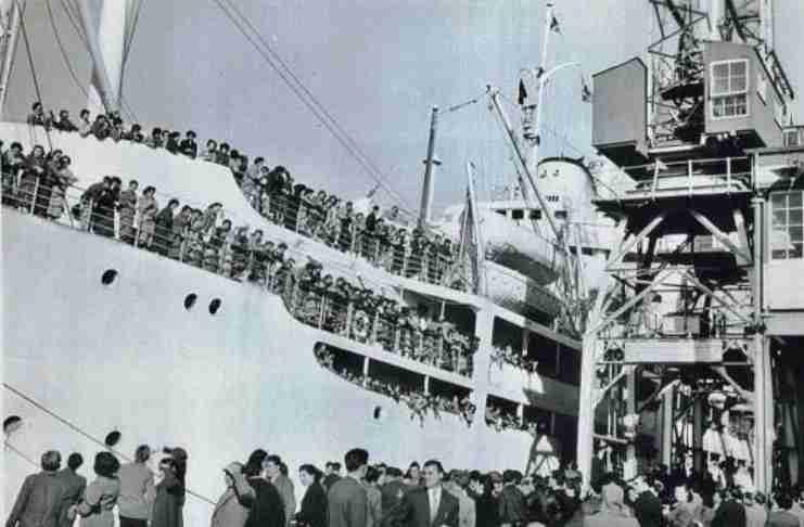 Όταν οι 900 Ελληνίδες νύφες έφταναν στην Αυστραλία με την φωτογραφία του γαμπρού στο χέρι