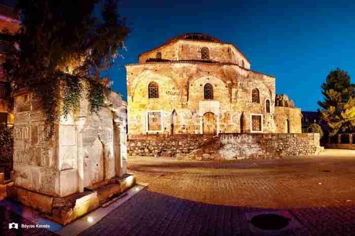 Μια ανάσα από την Αθήνα βρίσκεται μία από τις πιο όμορφες αλλά και πιο μυστηριώδεις πόλεις της χώρας