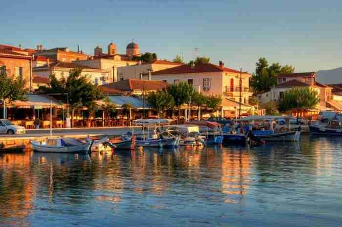 Γαλαξίδι: Ένα νησί.. δεμένο στη στεριά δυόμιση ώρες από την Αθήνα