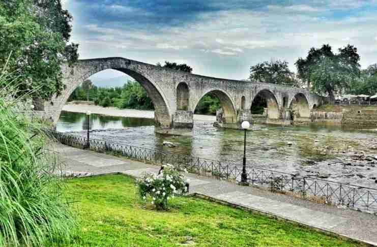 Image result for Η πανέμορφη πόλη-κόσμημα με το φημισμένο γεφύρι