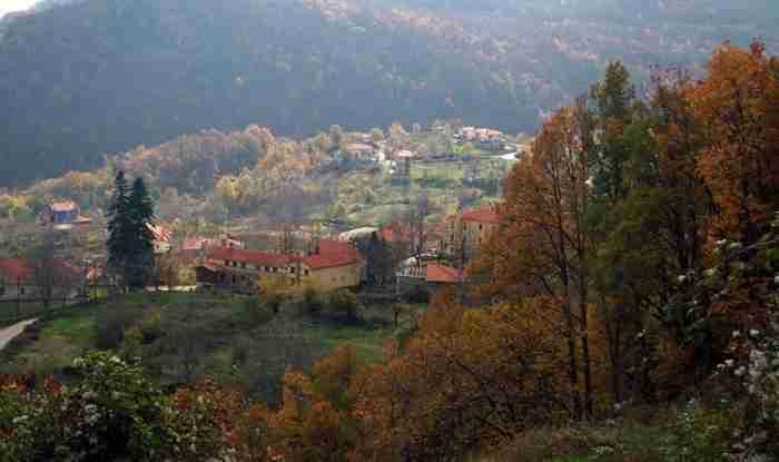 Το χειμερινό θέρετρο του… Δία. Το χωριό που αν και καταστράφηκε εντελώς, έγινε ένα από τα ωραιότερα της Ελλάδας