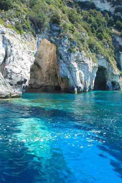 Το Ελληνικό νησί έκπληξη που προτείνει το Forbes για το καλοκαίρι - Ούτε η Μύκονος, ούτε η Σαντορίνη