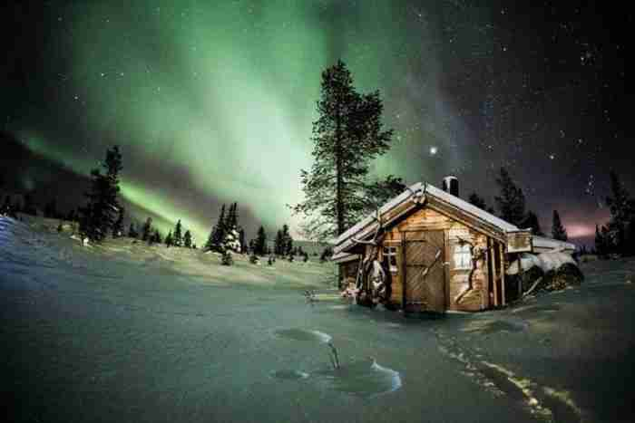 20 υπέροχα μοναχικά σπίτια παραδομένα στη μαγεία του χειμώνα