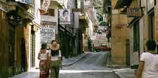 Αθήνα 40 χρόνια πριν: Χωρίς νέφος, χωρίς φόβο, στον Υμηττό υπήρχαν χωράφια και έτρωγες σουβλάκι με 2 δραχμές