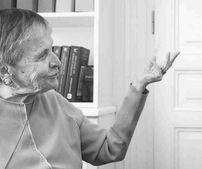 Ελένη Αρβελέρ: Η Ελλάδα κινδυνεύει από τους Έλληνες που ξέχασαν να είναι Έλληνες