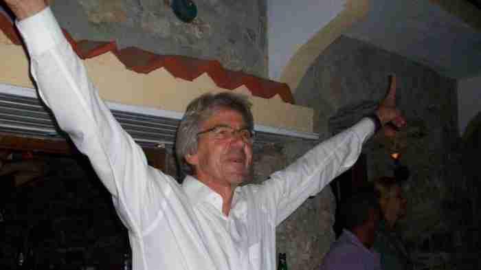 Τάσος Αλιφέρης: Ο αγροτικός γιατρός που άλλαξε την ιστορία ενός ολόκληρου νησιού
