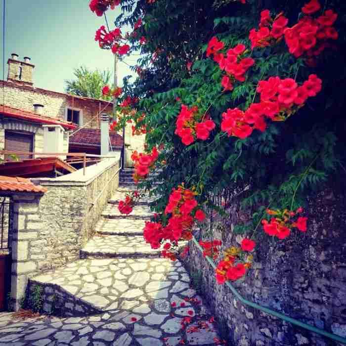 Το ωραιότερο χωριό της Ευρυτανίας λέγεται απλά.. Χωριό