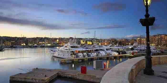 Οι ωραιότερες ανοιξιάτικες βόλτες στον Πειραιά δίπλα στη θάλασσα