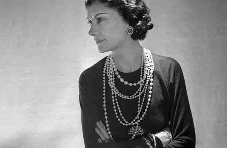 20 αθάνατες συμβουλές κομψότητας από την μεγάλη κυρία της μόδας Coco Chanel
