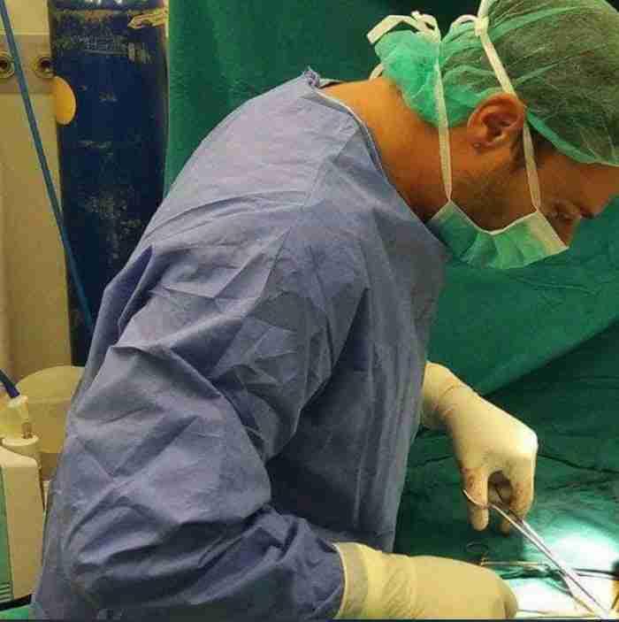 Νίκος Μίχας: Πως είναι να είσαι γιατρός στα απομονωμένα Αντικύθηρα με τους 20 κατοίκους