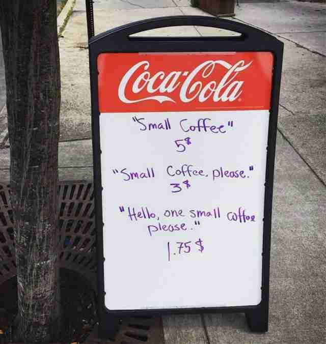 To απίθανο κόλπο ενός ιδιοκτήτη καφέ για να πείσει στους πελάτες του να είναι ευγενικοί