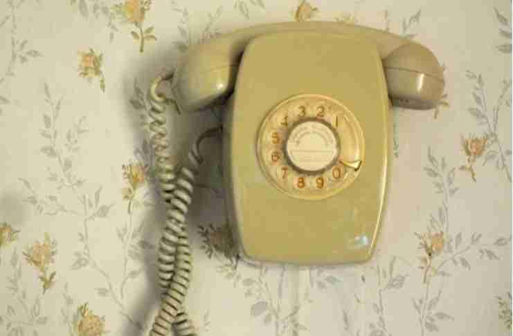 Στη γενιά που μεγάλωσε με σταθερό τηλέφωνο – Θυμάσαι τότε;