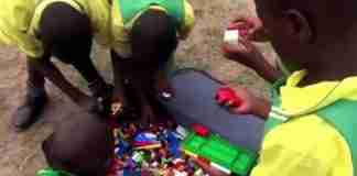 Έστειλαν μια βαλίτσα γεμάτη μεταχειρισμένα Lego σε παιδιά στην Ουγκάντα. Αυτό ήταν το αποτέλεσμα