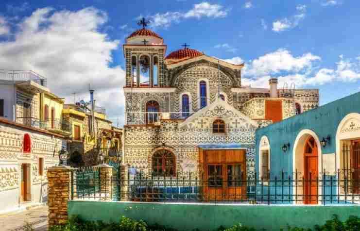 Το παραμυθένιο ελληνικό χωριό που μοιάζει με περίτεχνο κέντημα