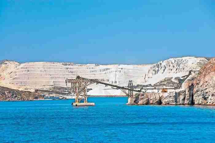 """Γυαλί: Το """"άγνωστο"""" νησί της ελαφρόπετρας με την εξωπραγματική ομορφιά ανάμεσα σε Κώ & Νίσυρο"""