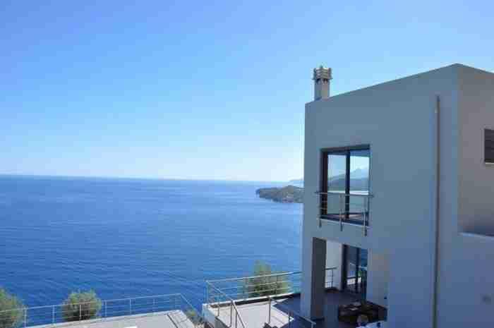 Το σπίτι στην Αρκαδία με την απίθανη θέα στη θάλασσα που εξυμνεί την Ελληνική ομορφιά
