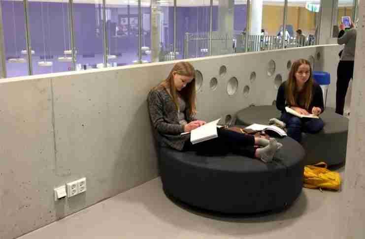 Τελικά τι είναι όμως αυτό που το κάνει ξεχωριστό; Μία μέρα σε σχολείο της Φινλανδίας σε ένα αποκαλυπτικό βίντεο